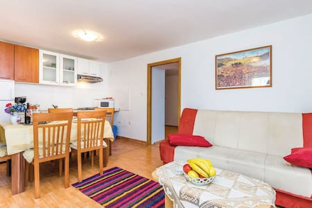 1 Bedroom Apts in Senj #10 - Senj - Apartment