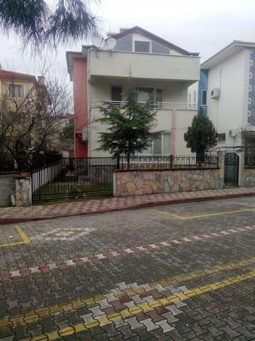 AKÇAYDA  MÜSTAKİL VİLLA - Akçay Belediyesi - Villa