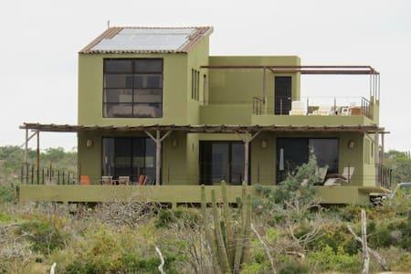 Casa Manana Rancho Tortuga, E. Cape