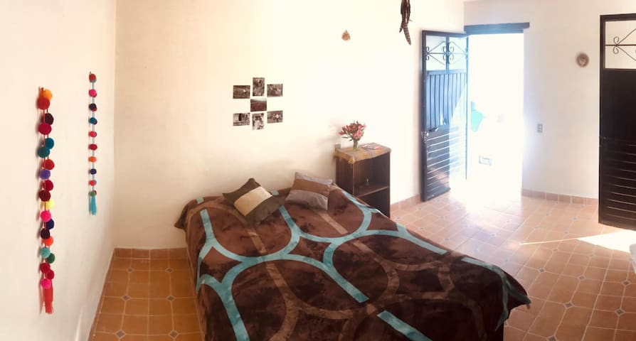 <Casa Chikatana> Cuarto centrico y Terraza privada