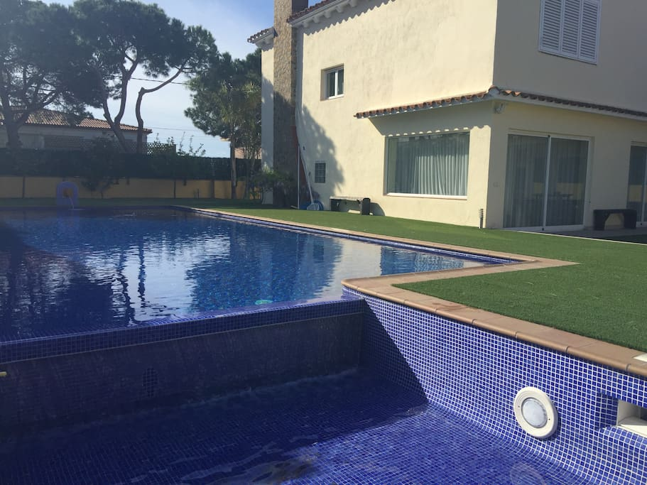Piscina 18x10 mts Swimming-pool with a part for kids