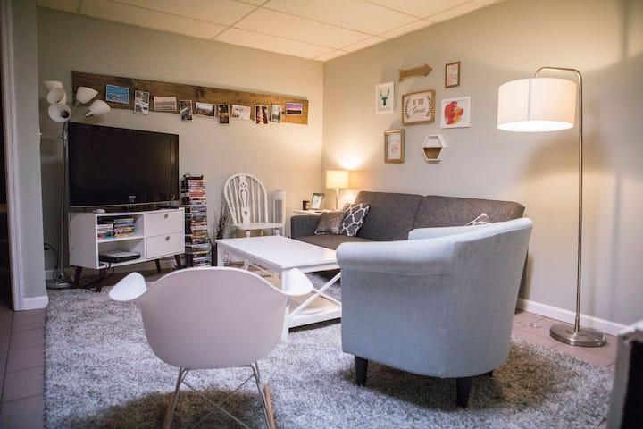 3 Bedrooms in Quiet Neighborhood