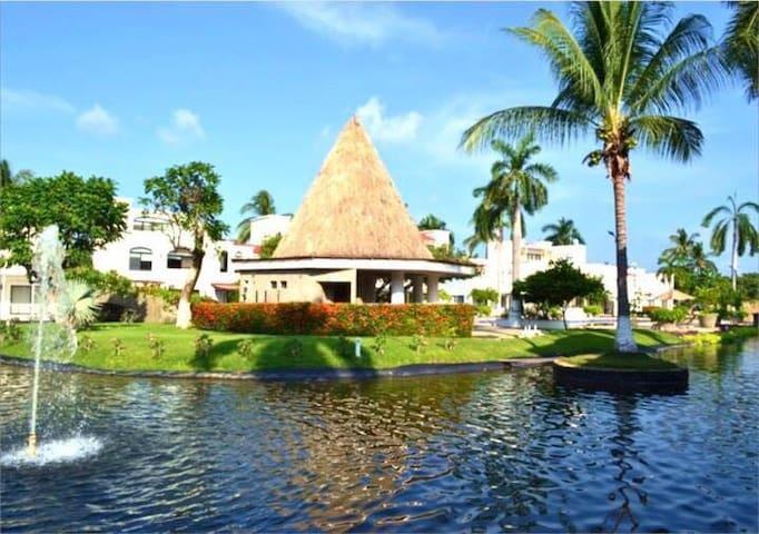 "HermosA Villa  ""Mayan palace"" Membresias Platino - Acapulco - Haus"
