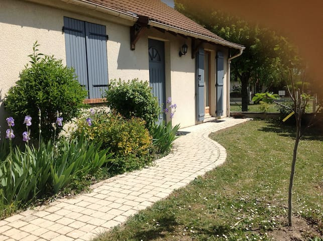 Jolie maison au calme, grand confort et spa écolo - Orléans - Casa