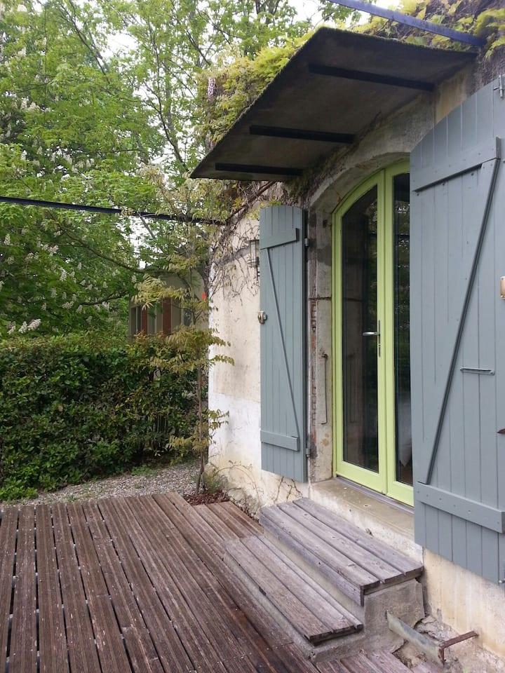 Atelier, chambre d amis à 2 km du canal du midi