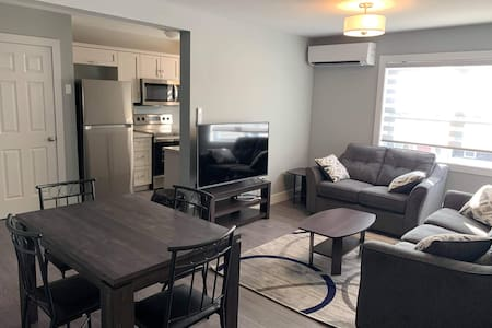 Luxurious 2 Bedroom Apartment - Mitchell Complex 3