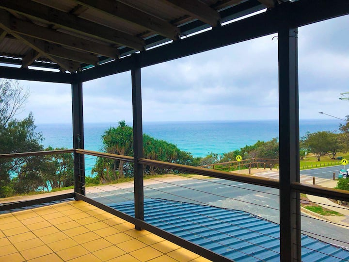 Tugtullum Apartment | Sensational views, 3 bedroom, 2 bathroom, A/C, stunning undercover deck