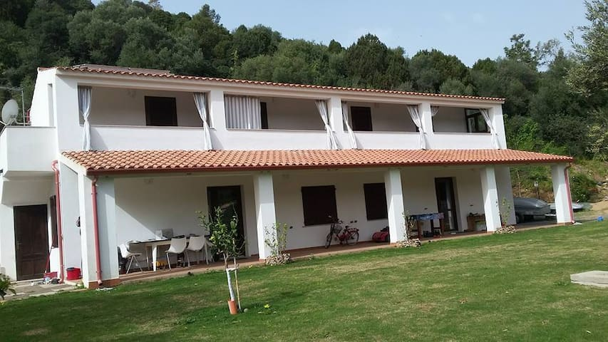 Guest House Casavasco Chia - Domus De Maria - Serviced flat