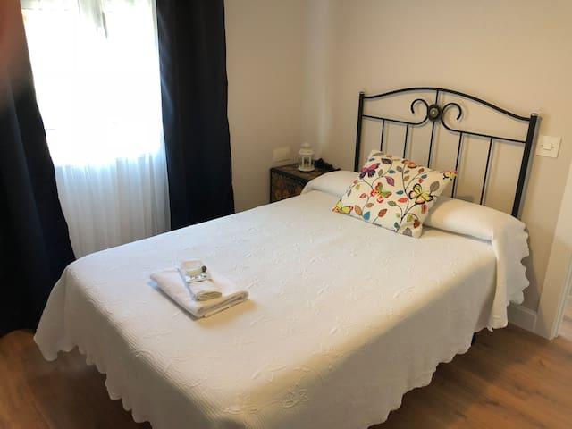Habitacion individual/Baño comp.Pensión Fernández