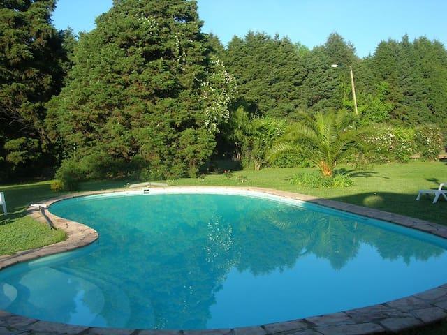 Casa quinta en Pilar, Parque de 5000 mts. - Fatima - Natur-Lodge