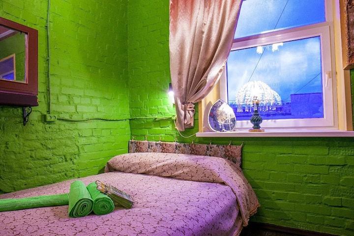 Комната с удобствами «За кулисами»