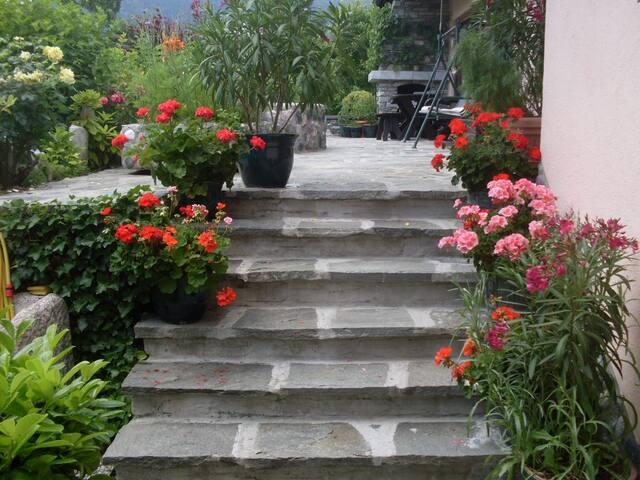 Bungalow mit schöne sonnige Terrasse - Erl