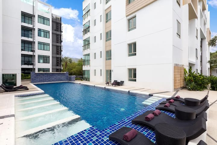Apartment with great facilities, walk to beach