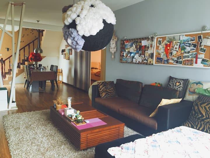 整套复式屋 GUILIN桂林旅游 灰尘的家温馨度假双层屋 可烹调 停车位wifi 儿童玩乐区
