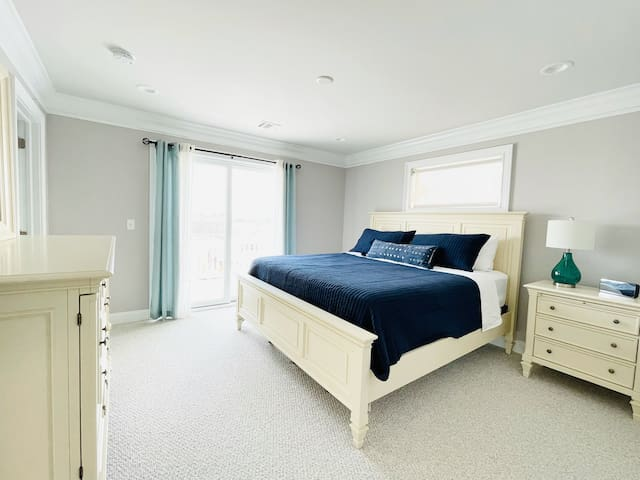 Master Bedroom with Full Bath and Deck