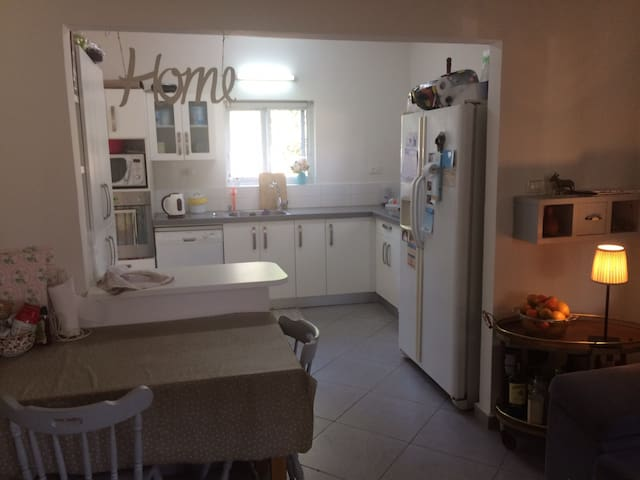 Great size House 20 min from TLV - Beit Yitshak Sha'ar Hefer - Huis