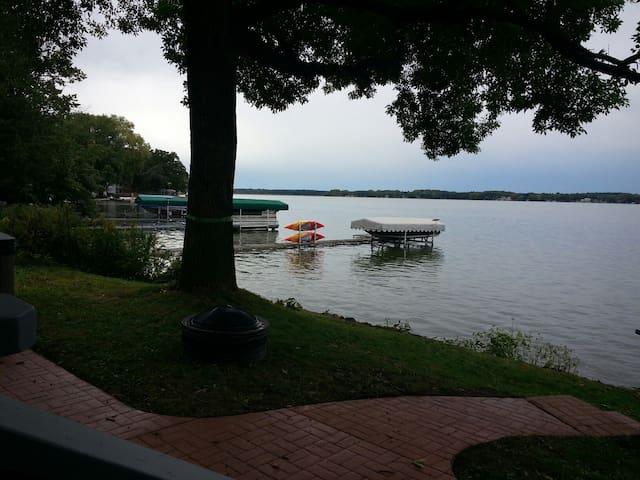 Lake Waubesa Cabin