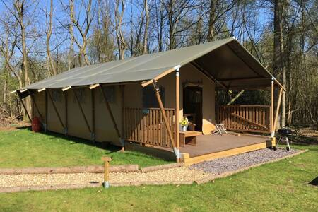 Luxury Juniper Tent & free LGW parking