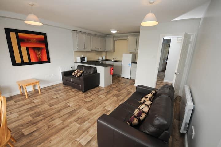 Dunaras - Full 2 Bedroom Apartment