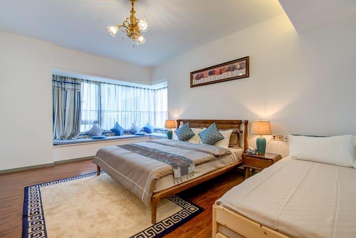 为了给您更好的舒适感,我们拒绝沙发床,配备了宜家全实木叠落床