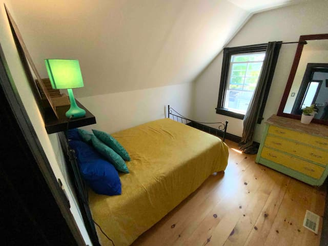 Double bed in the second bedroom.