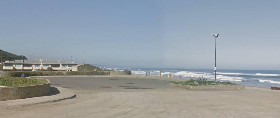 Amplio Depto, a pasos de la playa.  6 personas