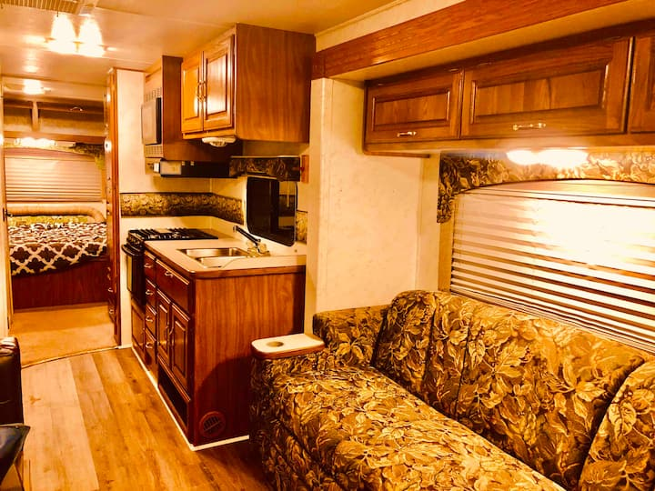 Clean and Charming RV on Rescue/Hobby Farm!