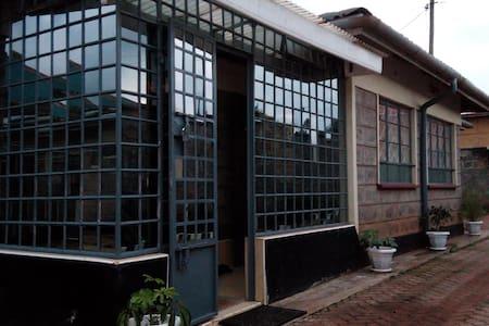 Gakungas Place - Kiambu - Huis