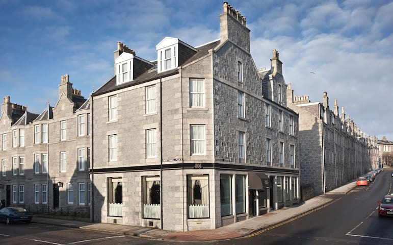 Skene House, 4 Whitehall Place - Apartments for Rent in Aberdeen ...