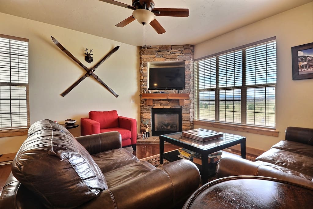 Gas fireplace, Wifi TV, Apple TV, Playstation 3, Board Games and Puzzles galore.