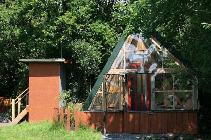 Off Grid Eco Cabin Hideaway in pristine woodlands