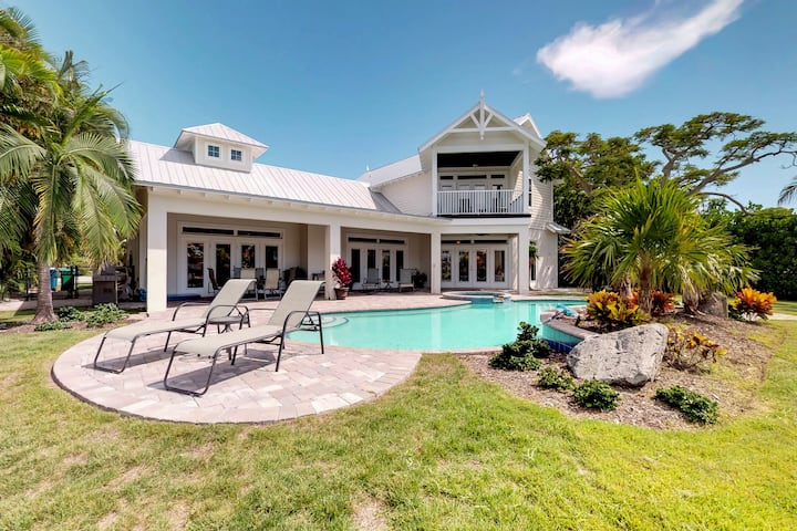 Dog-friendly home with a heated private spa and pool - waterfront too!