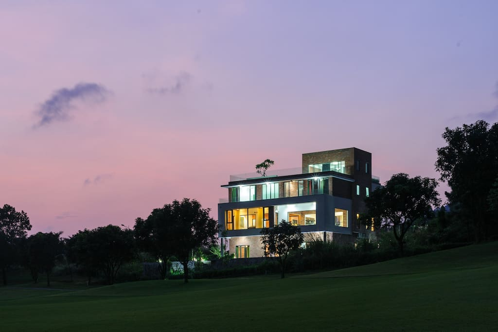 Full view of villa from the golf course in front