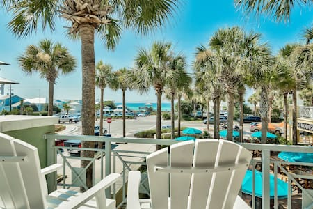Beach view in trendy Gulf Place