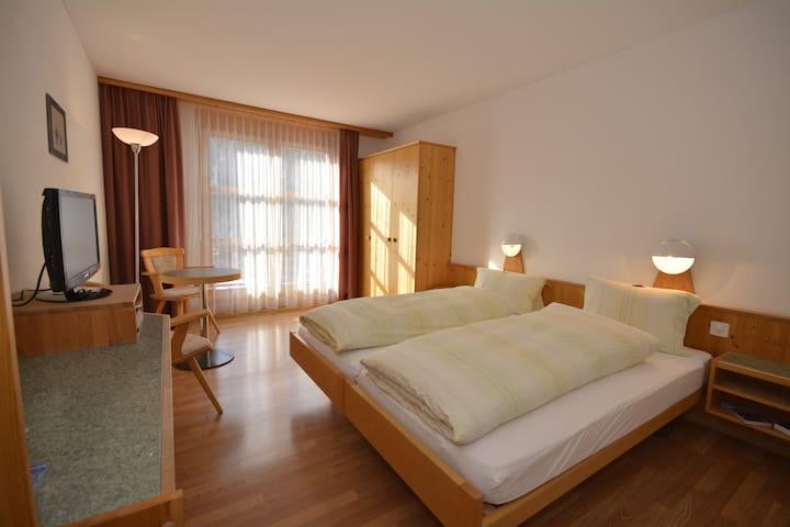 Komfort Doppelzimmer - Filisur - Apartment