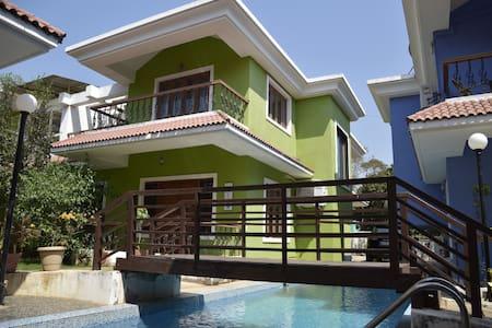 Pool side holiday Villa - Assagao - Villa