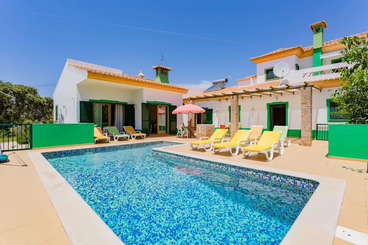 Charming Secluded Country House with Heated Pool