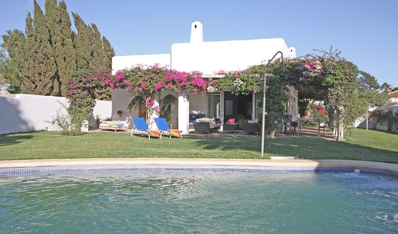 Casa Alegria, 2 bedrooms, private pool, 2-6 guest