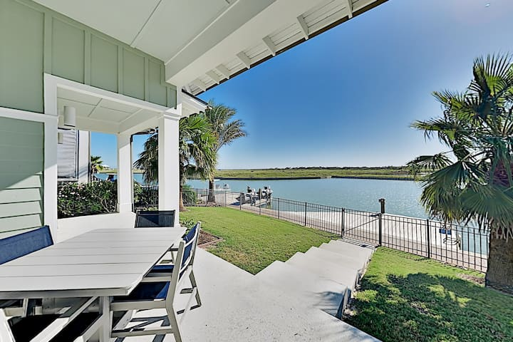 Upscale Home in The Reserve at St. Charles Bay!
