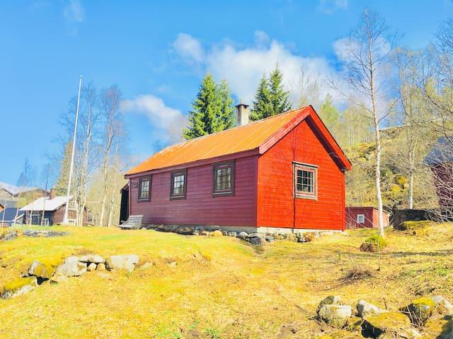 Nice cabin near Odda, Hardanger and Trolltunga.
