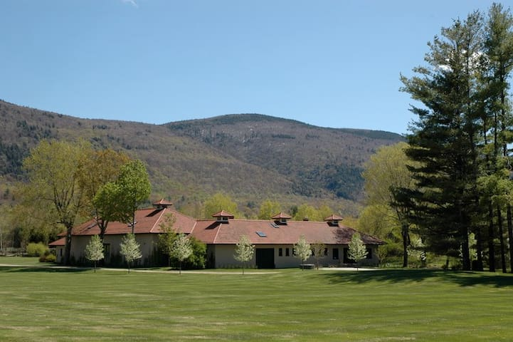 Enjoy Beautiful Vermont this Spring! - Manchester Village - Byt