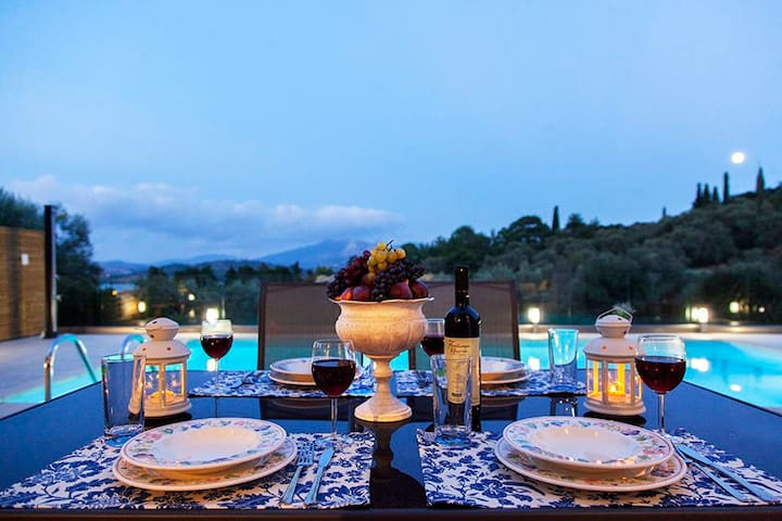Villa Manos Offers 10% OFF, For Bookings in July