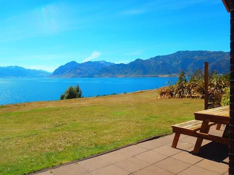 Lakefront House, Wanaka, South Island, New Zealand