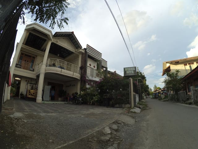Wisma Rita (Guest House) Syariah - Baiturrahman - Casa