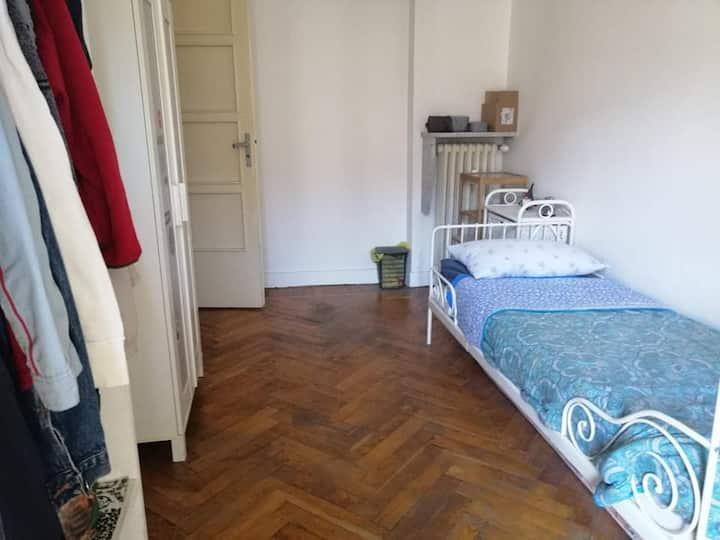 Camera  San Salvario Torino - parco del Valentino
