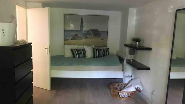 Private room near central station and koelnmesse