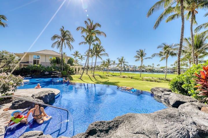 Golf course-view condo w/ shared pool, gym & jacuzzi - near beach!