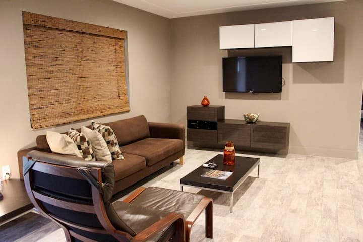 Green 2 - Br Apartment at the historic Roads
