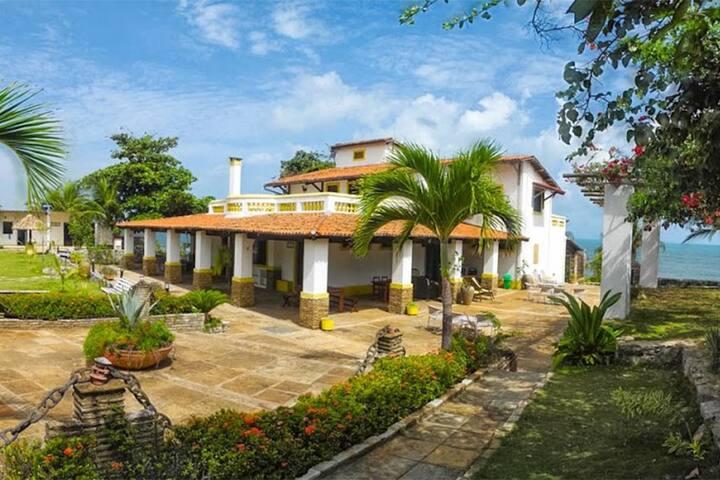 Barbanera Club Halls / Henry - Caucaia