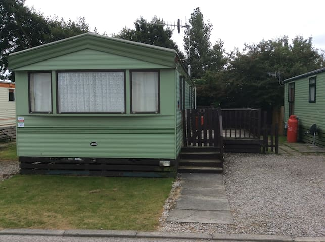 3 Bed , on a 4* Holiday Complex !!! - Morecambe - Outro